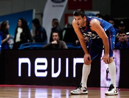Деян Иванов с 6 точки и 6 борби при победа на Естудиантес