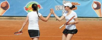 Божилова и Трифонова с титла на двойки