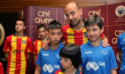 Левски представя новия екип срещу Лацио (галерия)
