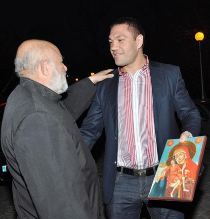 Божи служител сигурен в успеха на Кобрата над Кличко