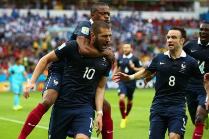 Франция и Швейцария в битка за върха в група Е