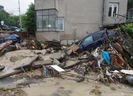 Левскарите с акция по събиране на средства за бедстващите във Варна