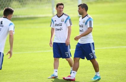 Меси и Агуеро демонстрираха изключителен футбол с елементи на тенис (видео)