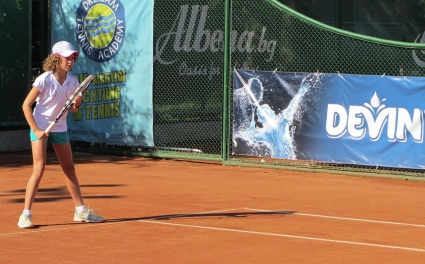 Димитрова и Кралева се класираха за финала при момичетата на държавното първенство до 12 години