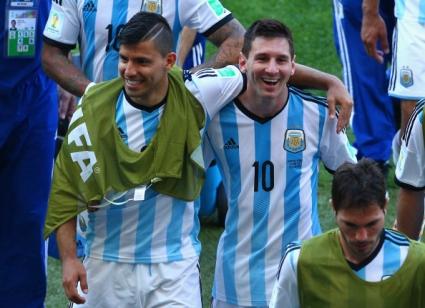 Меси и компания пеят за превъзходството на Аржентина над Бразилия (видео)