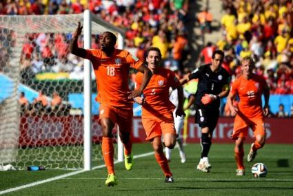 Холандия удари Чили и може би избегна Бразилия (видео+галерии)
