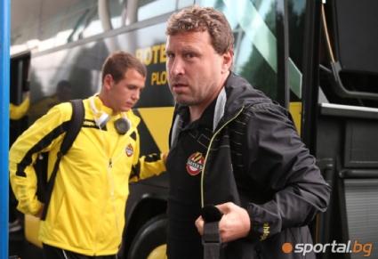 Вили Вуцов се оплака от номерата на звезда на Ботев - канарчетата го дадоха на УЕФА