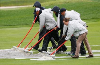 Дъжд забави програмата на PGA Championship