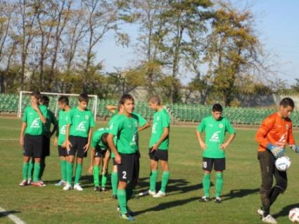 Победа и загуба за юношите на Нефтохимик срещу руския отбор Приалит Реутов