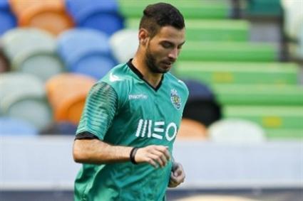 Симеон Славчев игра 10 минути при победа на Спортинг (Лисабон)