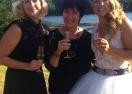 Аня Персон вдигна сватба с приятелката си