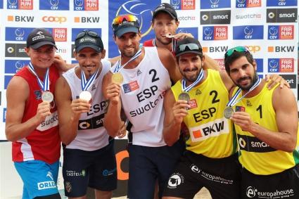 Испански триумф на плажния волейбол
