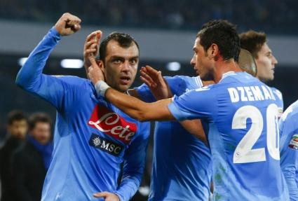 Милан се прицели в дуо от Наполи