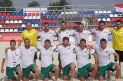 Националите по плажен футбол с благодарствено писмо до Боби Михайлов