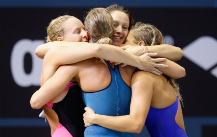 Италия взе титлата в щафетата 4 по 200 метра свободен стил за жени