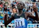 Световният рекордьор на 10 и 15 км на шосе Комън дебютира в маратона