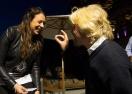 Милиардер търси 1 година пръстен в пясъка, за да предложи на тенисистка