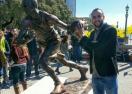 Увековечиха Ману Джинобили със статуя