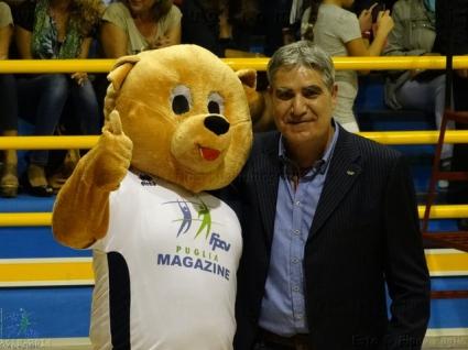 Волейболният талисман Торе се запозна с Камило Плачи и футболистите на Италия (видео)