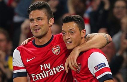 Две от звездите на Арсенал се връщат за битката с Ман Сити