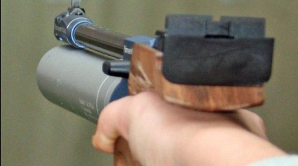Александър Тодоров пети на пистолет при юношите