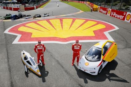Новият президент на Ферари: Алонсо и Кими ще ни върнат на върха