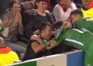 """Ето кое е момчето, което Дани Абало прегърна след гола на """"Анфийлд"""""""