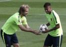 Неймар и Ракитич под въпрос за мача срещу Малага