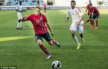 15-годишен в групата на Норвегия за квалификацията с България