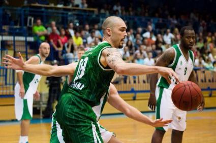 Николов и Олимпия загубиха финала за Суперкупата