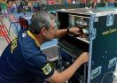 Зе Роберто проверява техниката на Мондиал 2014