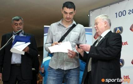 Владо Николов: 100 000 лева са ни нужни, за да оцелее Левски