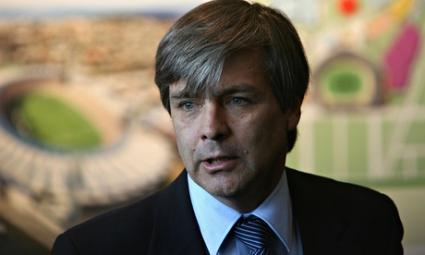 Изненадващ противник на Блатер за шеф на ФИФА