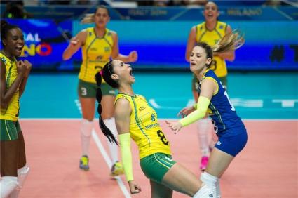 Бразилия на крачка от полуфиналите след разгромно 3:0 над Китай (ГАЛЕРИЯ)