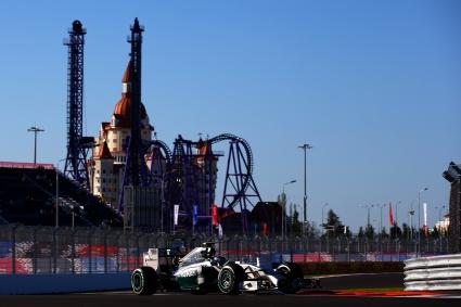 Розберг най-бърз при дебюта на Формула 1 в Русия (Снимки)