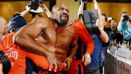 Шанън Бригс нокаутира Кличко, но с фотошоп