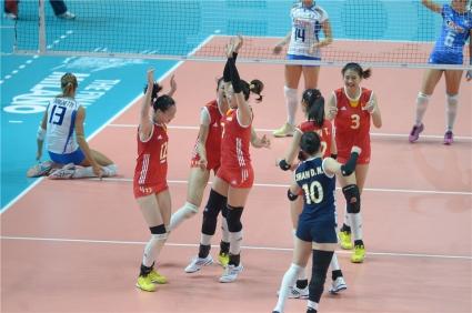 Китай попари надеждите на Италия за титла след 3:1