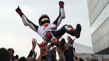 """Лоренсо спечели на """"Мотеги"""", Маркес с втора титла в MotoGP"""