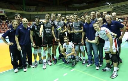 Радо Стойчев и Матей Казийски с първи трофей за 2014 с Тренто след успех над Мачерата