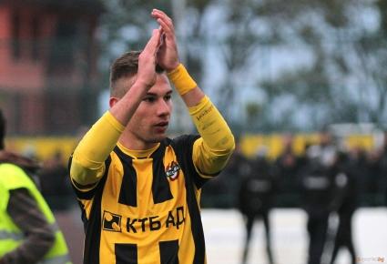Чуждестранни мениджъри ще гледат футболисти на Ботев Пд срещу Локо Сф