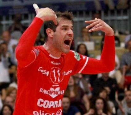 Златанов и Пиаченца започнаха със загуба с 1:3 от Равена без Жани Желязков