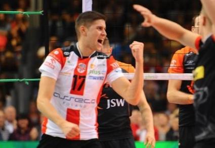 Нико Пенчев в битка с Мариуш Влазли за Играч №1 на 4-ия кръг в Полша! Подкрепете го ТУК!!!