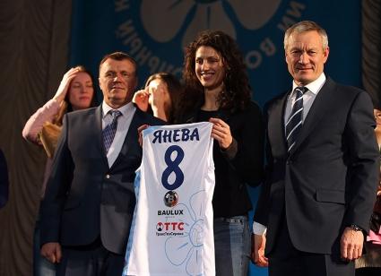 Шампионът на Русия и Европа представи Ева Янева (ВИДЕО + СНИМКИ)