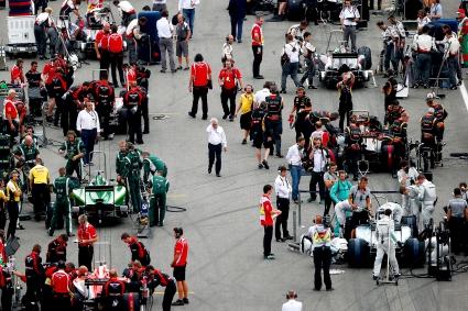 ФИА няма да настоява за трети коли в последните състезания