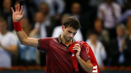 Григор преклони глава пред класата на Федерер в Базел (видео)