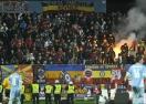 Бой по трибуните прекъсна мач от Лига Европа (видео+галерия)
