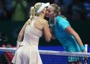 Вожняцки отнесе Квитова и класира Радванска на 1/2-финалите в Сингапур