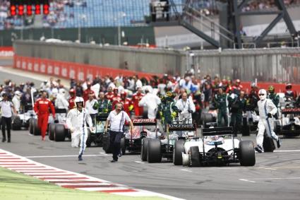 Формула 1 ли е в криза или само малките отбори?