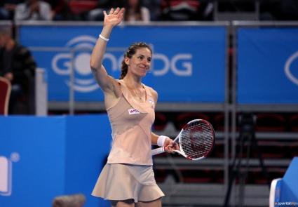 Петкович е първата 1/2-финалистка в София, Пиронкова отпада