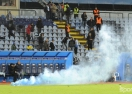 УЕФА размаха пръст на Слован и Спарта заради феновете им